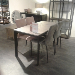 Dining Table & 4 Kendra Chairs