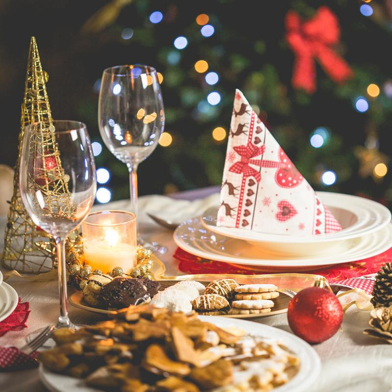 Tips for Hosting your First Christmas Dinner