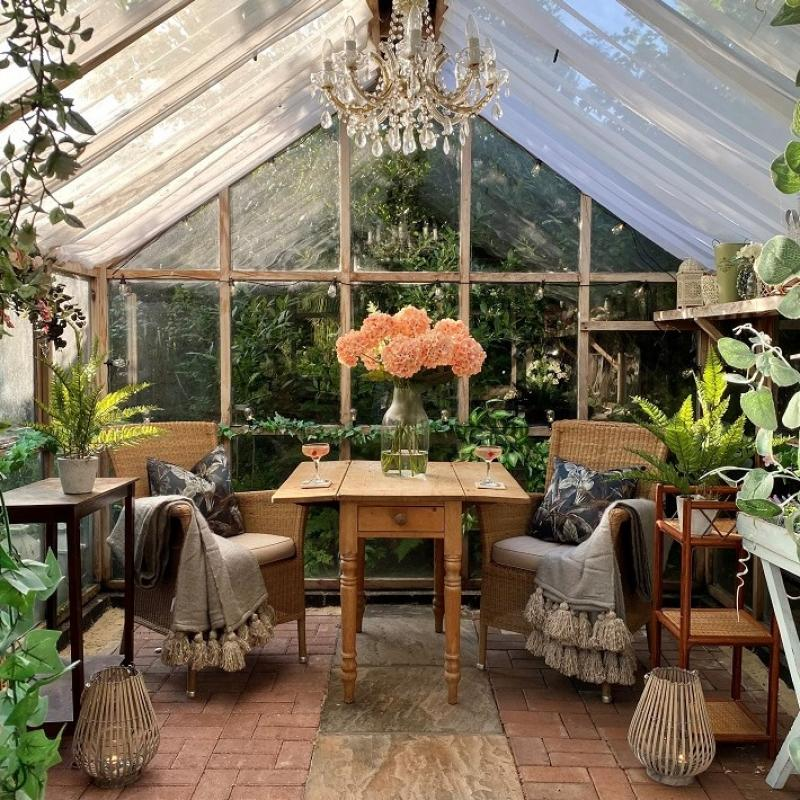 Glorious Garden Rooms: How to transform any outdoor space