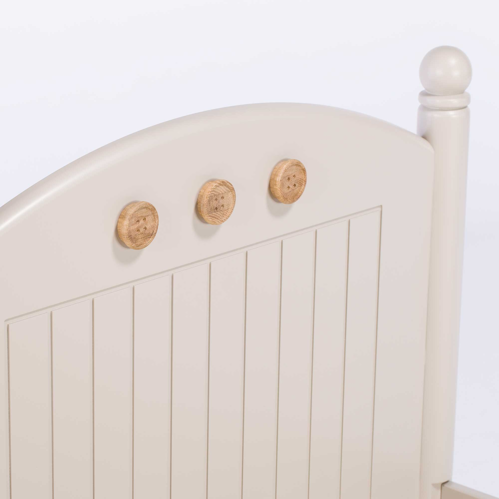 Buttons Bed
